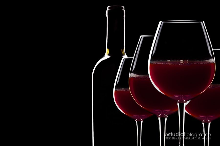 Fotografia di vino food, prodotti alimentari, beverage. Studio fotografico Verona, Veneto. Still life