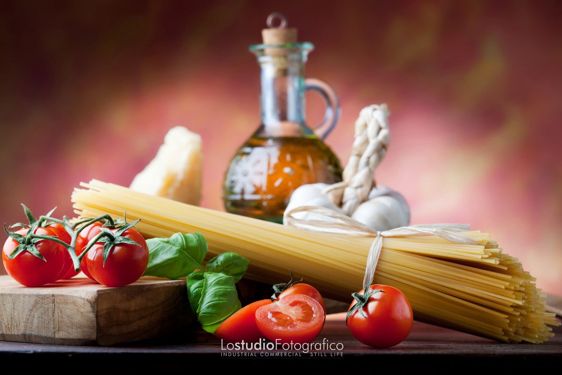 Fotografia di food, alimentari, beverage. Studio fotografico Verona, Veneto. Still life di prodotti alimentari e bevande.