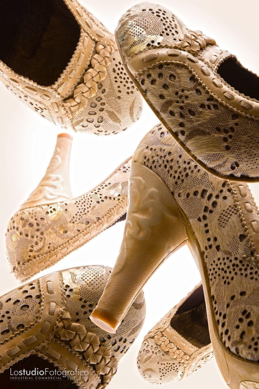 Fotografia di still life pubblicitario calzature Padova. Studio fotografico advertising, commerciale, cataloghi, brochure, fotografia di prodotto. Fotografo pubblicitario Veneto.